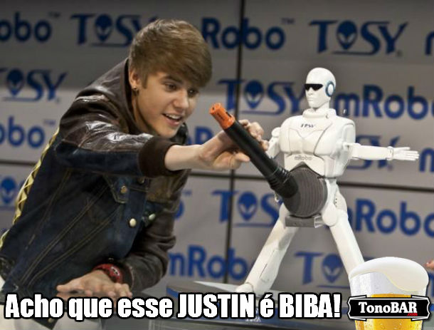 nossa microfone justin bieber justin biba fail erro bichinha  omg fail  Justin Biba: No tem jeito, esse moleque no  normal...